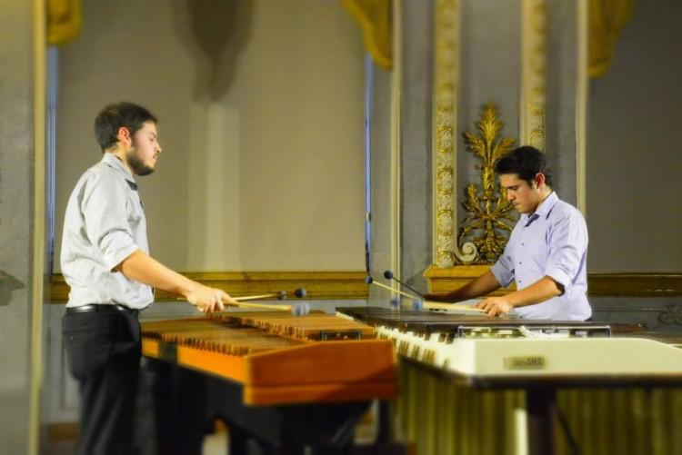 40-2587_recitaldemarimbas