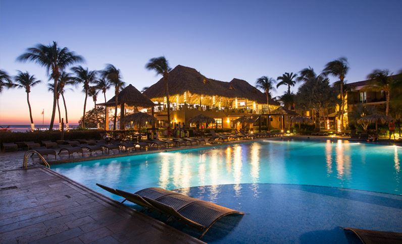 pool-at-sunset-in-flamingo-beach-resort-cost-rica